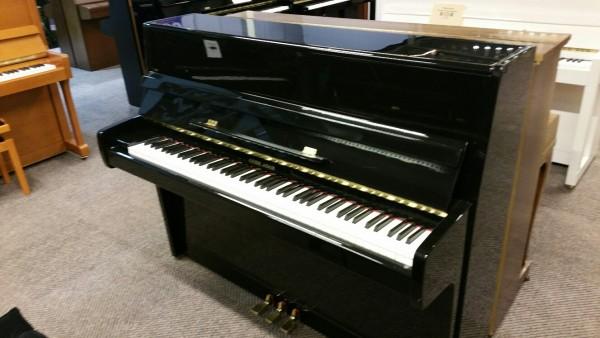 G. Adam piano zwart hoogglans