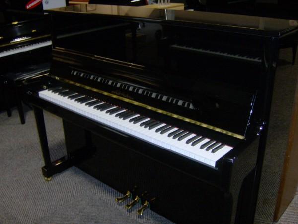 Alb. Hahn piano 118 zwart hoogglans